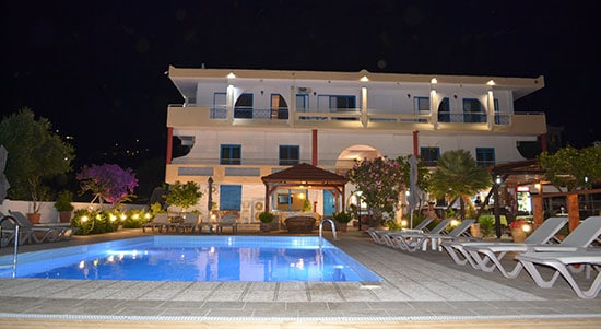 swimming pool at night in havania